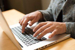Vybaviť si PZP online dnes nie je žiaden problém
